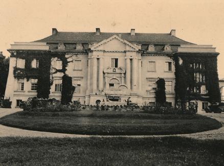 1939 r. Pałac przebudowany przez syna Romana-Tomasza Komierowskiego